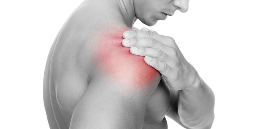 schulterschmerzen-bankdruecken-kraftfabrik-personal-training
